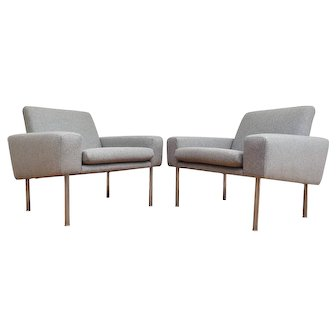 "Danish design, Hans J. Wegner, pair of ""Airport"" armchairs, model AP 34/1, completely restored"