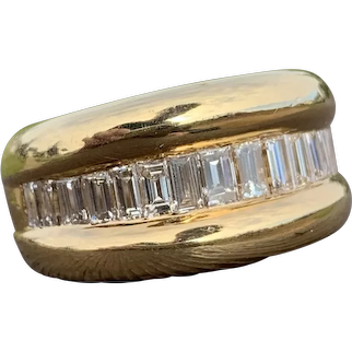 Vintage 18k Gold and 1ct Baguette Diamond Cocktail Ring