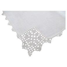 Set of 12 Fine Linen Napkins w/Filet Crochet Lace Corner Edges~Never Used