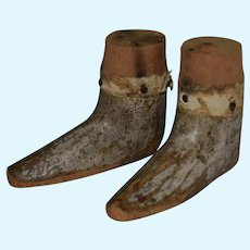 Late 18th or Early 19th Century Pair of Wooden Feet