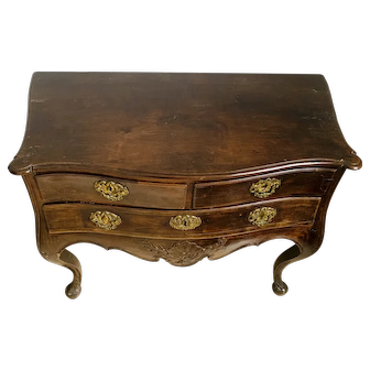Century XVII Portuguese Chest of Drawers