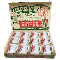 Big Jo Flour Display Box for Hazel Atlas Circus Clown Child's Milk Glass Mugs