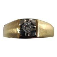 18K yellow Gold .20 Carat Diamond Ring Size 11