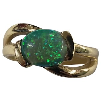 Vintage 14K Yellow Gold - Green Opal Ring Size 7