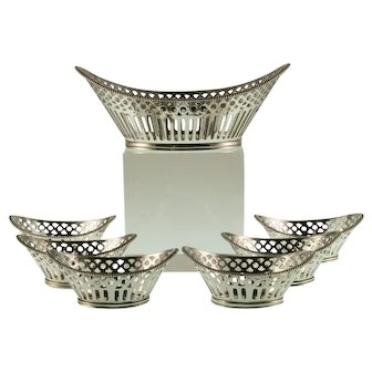 Silver bonbon dish with petit-four dishes, H. Hooijkaas, 1957 - 1982