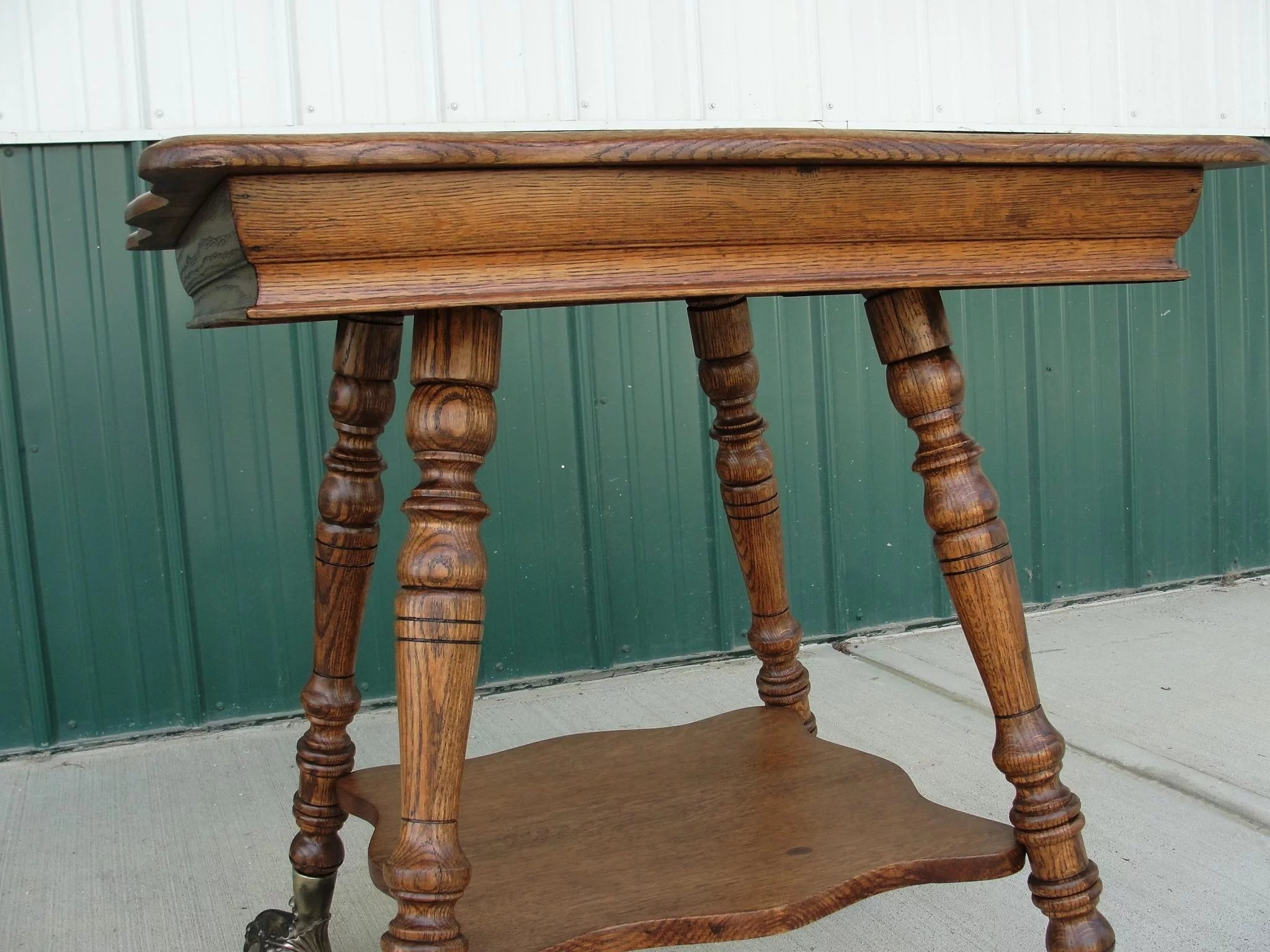 Antique Quarter Sawn Oak Parlor Table Glass Ball And Claw