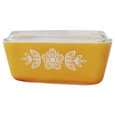 Vintage Pyrex Butterfly Gold 502 Refrigerator Dish with Lid