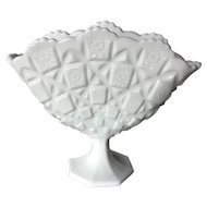 Westmoreland Old Quilt Fan Vase ~ 1950's Milk Glass Vase