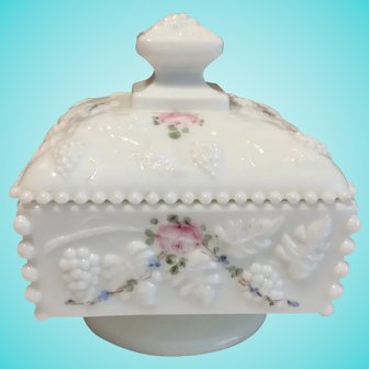 Westmoreland Beaded Honey Dish with Lid, Roses and Bows