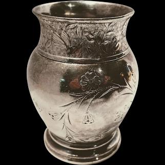 Aurora MFG Co Triple Plate Occasional Vase, Floral Motif