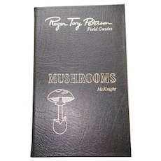 Mushrooms - Peterson Field Guides - Audubon Society - Pristine