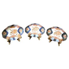 Imari Porcelain Dishes - Set of Three - Japan - Meiji Period