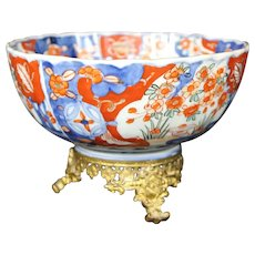 Imari Porcelain Bowl on a Metal Pedestal - Arita - Japan - 19th Century