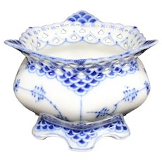 Royal Copenhagen - Musselmalet - Mussel Clam - Full Lace Blue Porcelain Bowl