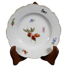 Beautiful Floral Scalloped 15.5cm Meissen Porcelain Plate