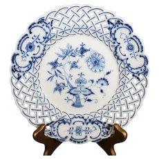 Ernst Teichert - Meissen - Openwork Onion Pattern Plate - Early 19th century