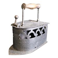 Scrolled Designed Coal or Charcoal Cast Metal European Press Iron