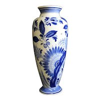 Ram Arnhem - Delft Blue Tall Vase - Dutch