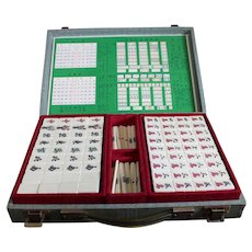 Clean Mahjong - Mahers Jongg Set in Case