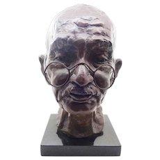 Bronze Sculpture of Mahatma Gandhi - 1981 - Martine Vaugel 9/20