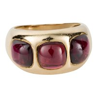 18 Karat Yellow Gold Cabochon Garnet Ring