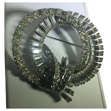 Sparkling Circlet Brooch w Round and Baguette Rhinestones