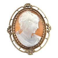 Vintage 14K Yellow Gold Shell Cameo Brooch /Pendant