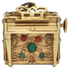 14K Yellow Gold Piano Music Box Charm
