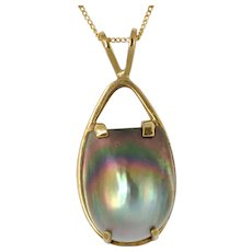 Black Mother of Pearl Gold Pendant