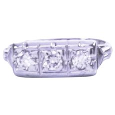 14K Art Deco 3 Stone Diamond Ring
