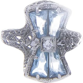 Art Deco Belais Aquamarine & Diamond Bow Ring