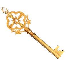 Magnificent Antique 18  Karat Gold  Large Key
