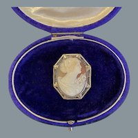 Antique 14 Karat Gold Cameo Pendant or Brooch