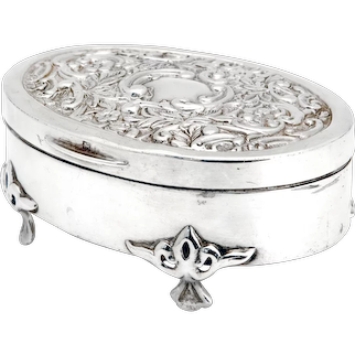 Oval Edwardian Sterling Silver Jewellery Box Decorated with Scrolls and Flowers