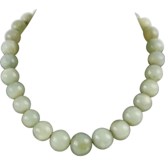 Antique Graduated Natural Jadeite Jade Gemstone Bead Necklace Strung on Art Deco Chain with a 9kt Gold Clasp