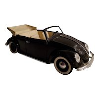 Vintage 1949 1:18 scale of VW Coccinelle die cast convertible mfg in France