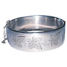 English Sterling Wide Bracelet Ivy Design
