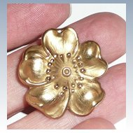 Beautiful Vintage Flower Brooch Gold Plated