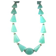 Art Deco Molded Green Glass Beads Necklace