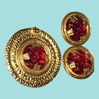 """Vintage Robert Rose Brooch and Earrings Bold Gold Tone Red """"Poured Glass"""" Look"""