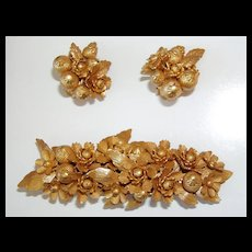 Beautiful Vintage Brooch and Matching Earrings Gold Flowers