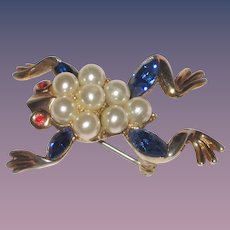 Trifari 'Alfred Philippe' Pearls and Sapphires Small Frog Pin
