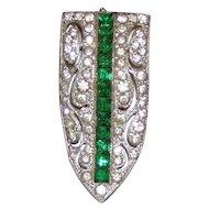 Excellent Art Deco Dress Clip Green White