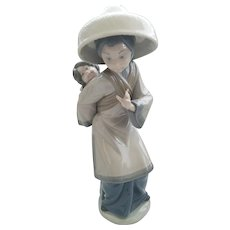 Lladro - Chinese Woman with Child on Back #5123