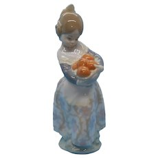 "LLadro - ""Valencian Girl with Basket of Oranges"" #4841"