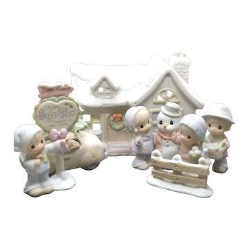 """Precious Moments - """"Sugar Town Sam's House - The Complete Seven Piece Collector's Set"""