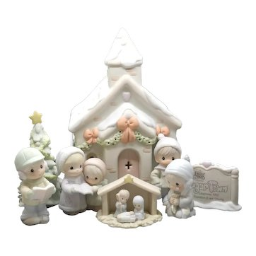 """Precious Moments - """"Sugar Town Chapel Nightlight"""" 7 Piece Collector's Set  #529621"""