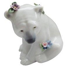 LLadro - Polar Bear Seated with Flowers #06356