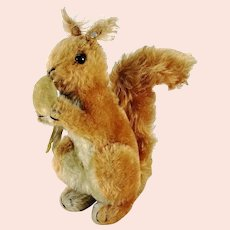 """Steiff Squirrel with ID Us Zone Tag velvet nut largest 9"""" vintage 1949 to 53"""