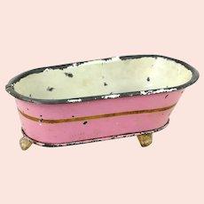 Märklin bathtub pink 4 and a half inches long standing on 3 feet 1910s Germany